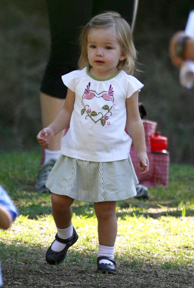 Seraphina+Affleck in Jennifer Garner Takes Her Daughter To Soccer Camp