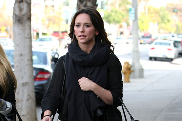 Jennifer Love Hewitt Jennifer Love Hewitt At A Skin Care Center In Studio City