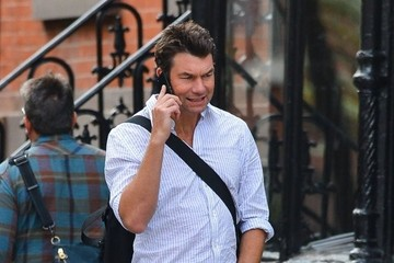 Jerry O'Connell Jerry O'Connell Chats On His Cell Phone In New York