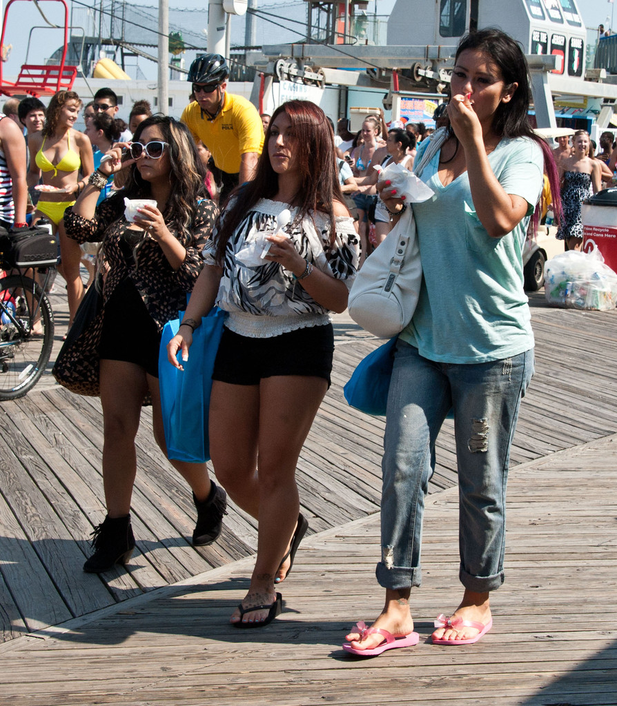 Jenni Farley In 'Jersey Shore' Stars Filming In Seaside