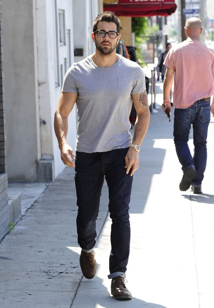 Jesse Metcalfe In Jesse Metcalfe And Cara Santana Grab Lunch Zimbio