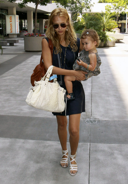 Actress Jessica Alba leaves the Newsroom Cafe on Robertson Blvd with her daughter Honor.
