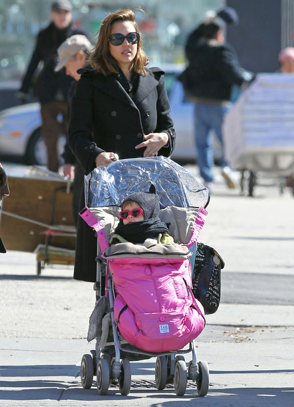 Jessica Alba Pregnant actress Jessica Alba goes for a walk with her daughter Honor after having breakfast at Peels in the East Village of New York City, NY.