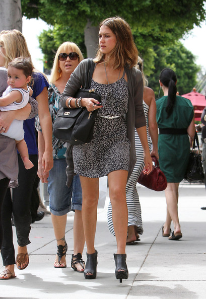 Jessica Alba & Mother Leaving Urth Caffe In Beverly Hills []