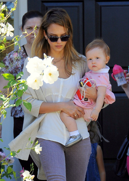 Jessica Alba - Jessica Alba Takes Haven For A Walk