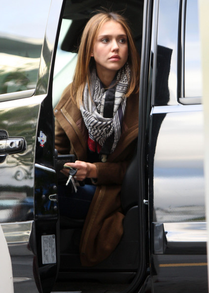 Actress Jessica Alba out getting some gas after running some errands in Los Angeles, CA.