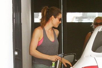 Jessica Biel Jessica Biel Gets Her Workout In