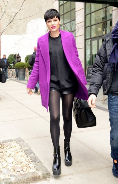 Jessie J Leaves Her NYC Hotel