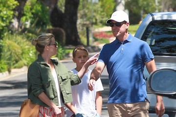 Jim Toth Reese Witherspoon & Family Look At Their New Home