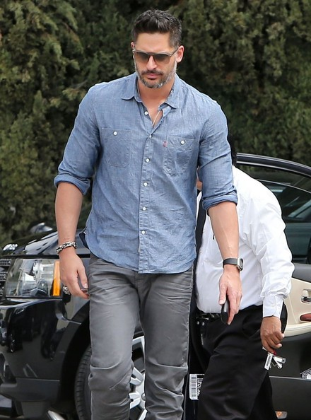 Joe Manganiello - Joe Manganiello Out For Lunch At Cafe Roma