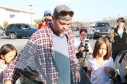 Jon Gosselin seen picking up Mady and Cara on their ninth birthday at the bus stop in Reading, PA..... ****Mandatory credit: Brian Flannery/FlynetPictures.com****