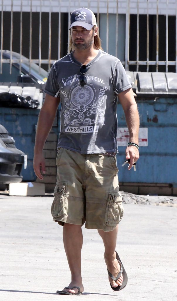 Josh Holloway in Josh Holloway And Family Leaving A ...