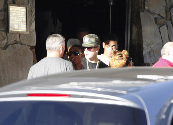 Justin Bieber - Justin Bieber Leaving A Restaurant After Lunch In Beverly Hills