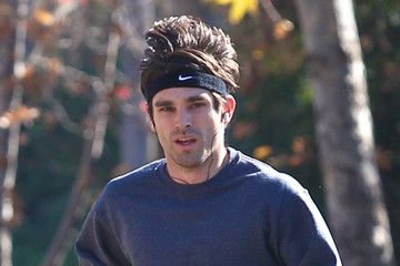 Justin Gaston Exclusive… Justin Gaston Gets His Jog On