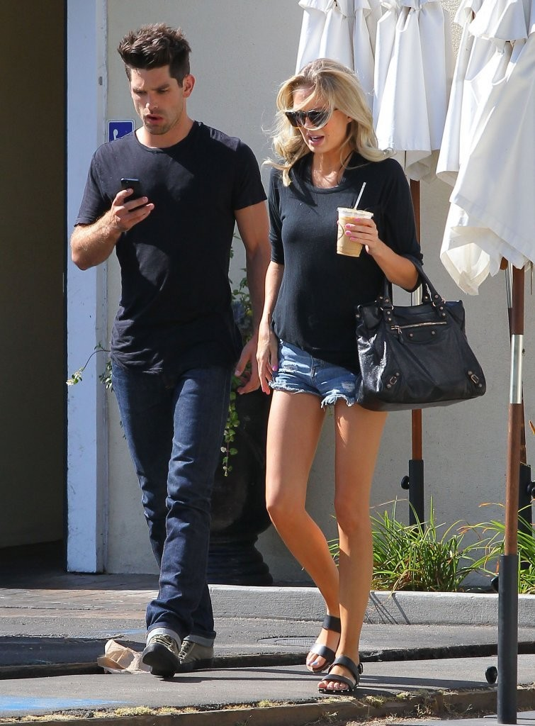 justin gaston amp melissa ordway out for lunch in studio
