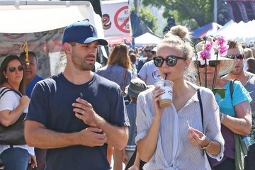 Justin Gaston Justin Gaston and Melissa Ordway Hit the Studio City Farmers Market
