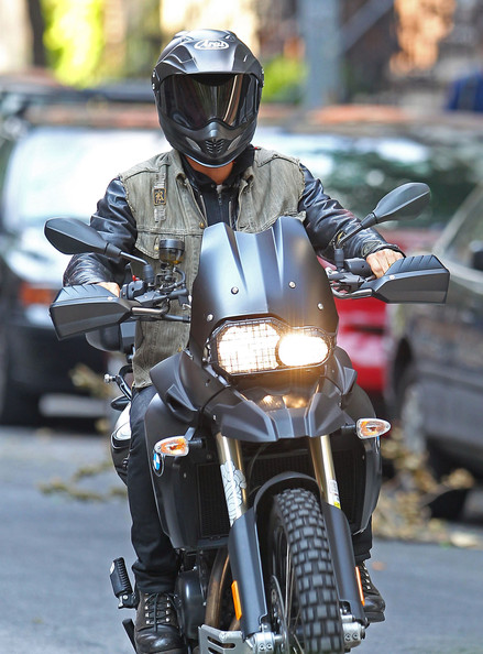 Justin Theroux - Justin Theroux Out For A Motorcycle Ride In New York