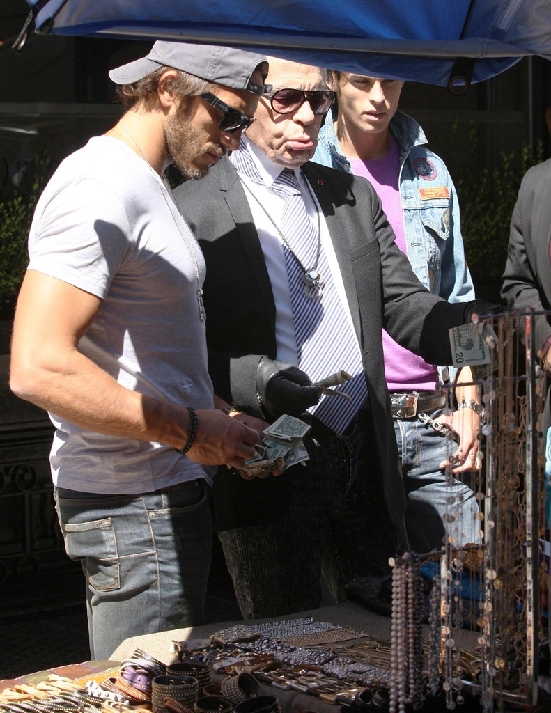 karl lagerfeld photos photos karl lagerfeld out shopping. Black Bedroom Furniture Sets. Home Design Ideas