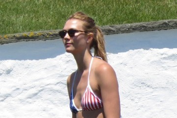 Karlie Kloss Celebrities Hang at Taylor Swift's 4th of July Party