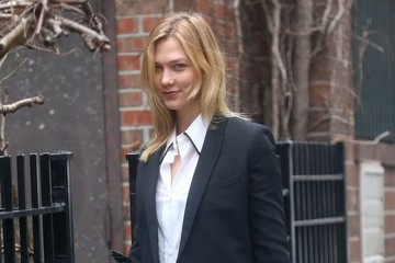 Karlie Kloss Karlie Kloss Heads Out in NYC
