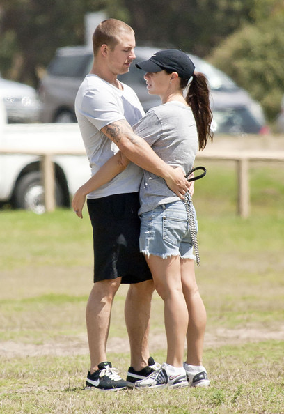 Stuart Webb Kate Ritchie And Stuart Webb PDA In Coogee Pictures Zimbio