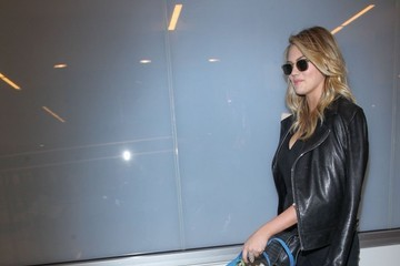 Kate Upton Kate Upton and Justin Verlander Depart on a Flight at LAX