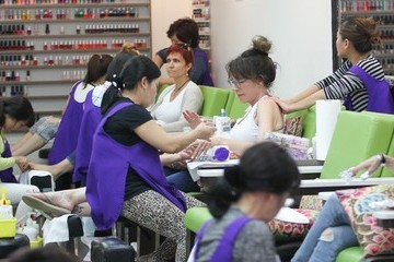 Katey Sagal Katey Sagal Gets Her Nails Done in Beverly Hills