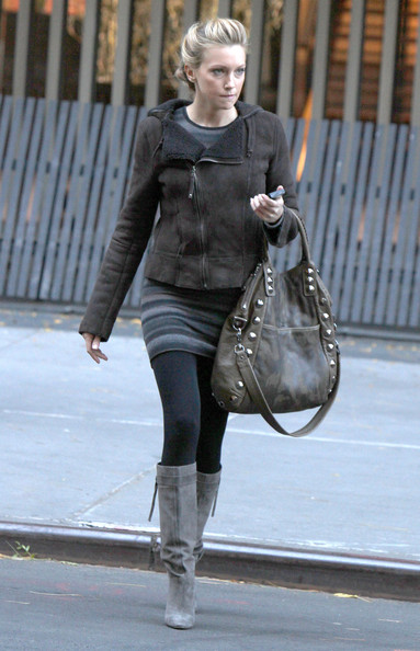 Stars On The Set Of 'Gossip Girl' In New York