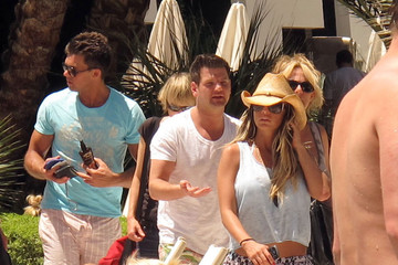 Katie Price Leandro Penna Katie Price And Leandro Penna Soaking Up The Sun In Vegas