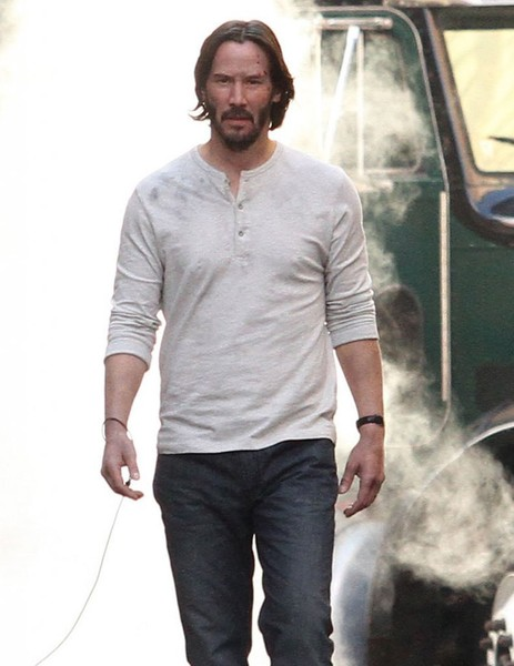 Keanu Reeves Performs on the Set of 'John Wick 2' 1 of 19