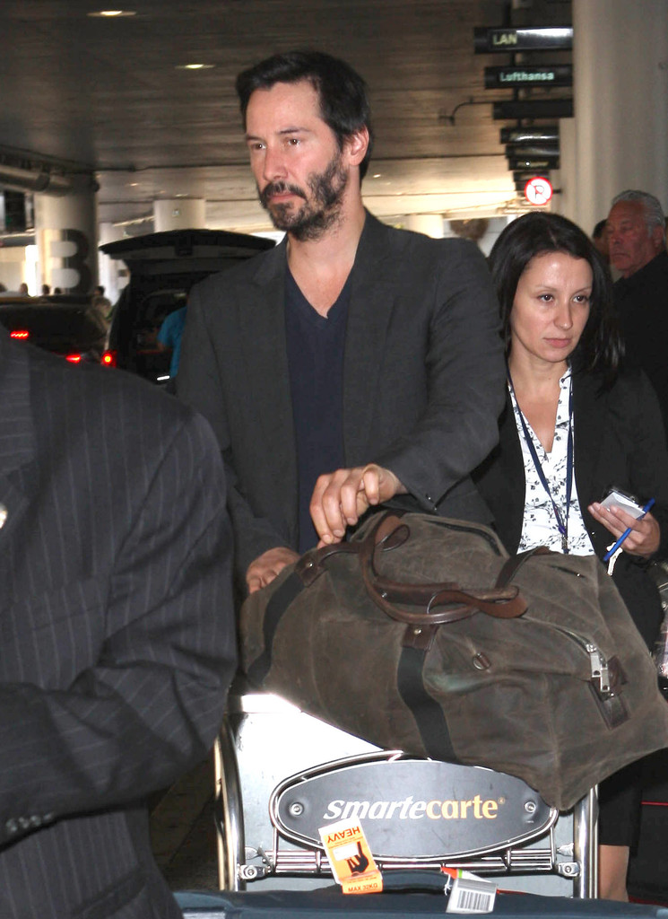 keanu reeves photos photos keanu reeves touches down in