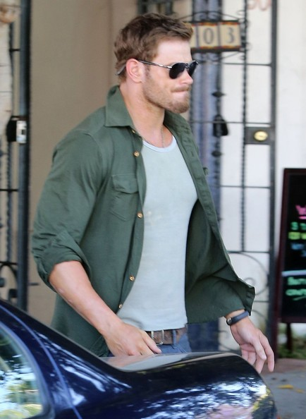 Kellan lutz leaving the nine zero one salon zimbio for 2 the nines salon