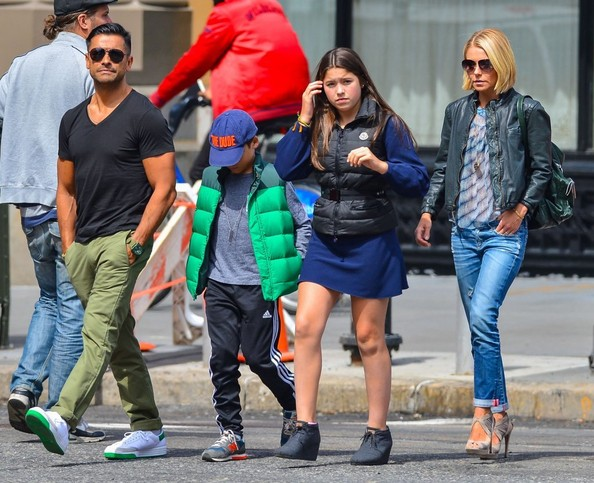 Mark Consuelos Kids Kelly Ripa  amp Family Out For