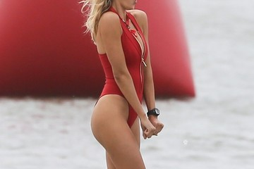 Kelly Rohrbach Stars on the Set of 'Baywatch'