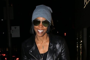 Kelly Rowland Kelly Rowland Shops With Friends in Beverly Hills