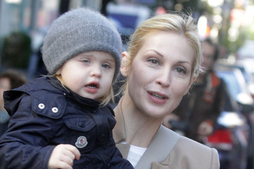 Helena Giersch Kelly Rutherford And Daughter On The Set Of 'Gossip Girl'