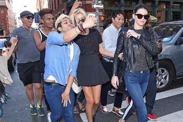 Kendall Jenner Kendall Jenner & Hailey Baldwin Enjoy Lunch In NYC