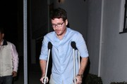 Kevin Connolly Is Getting Good With Crutches