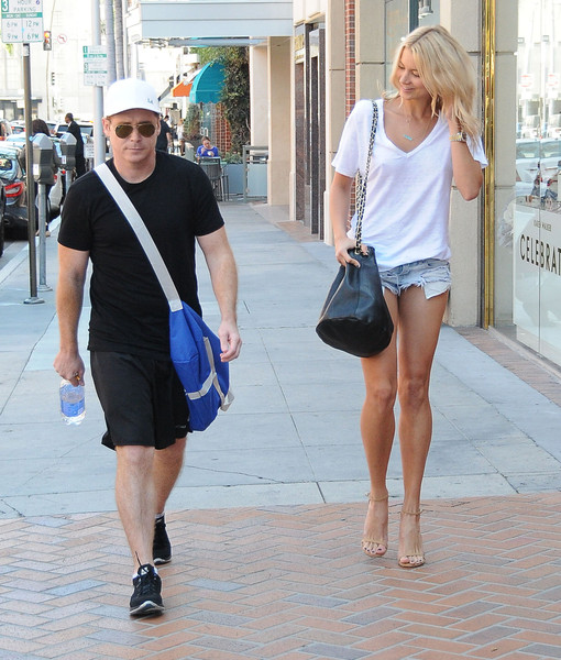 Kevin Connolly and Sabina Gadecki Stop by a Doctor's Office
