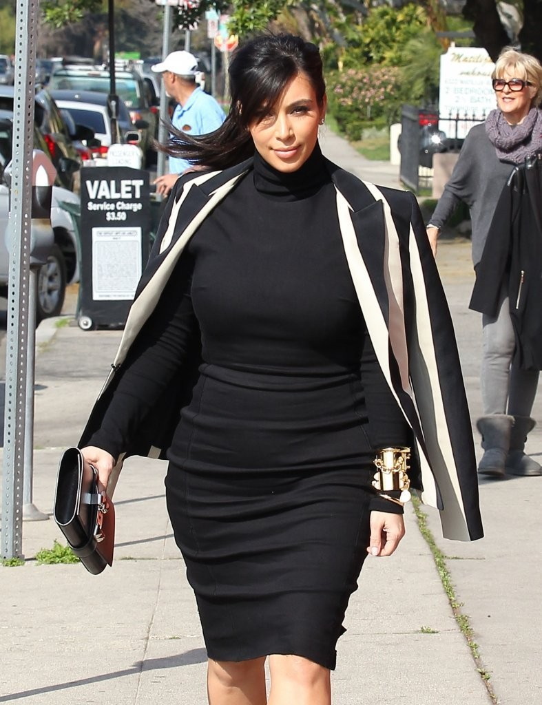 Kim Kardashian Leaves Her Home