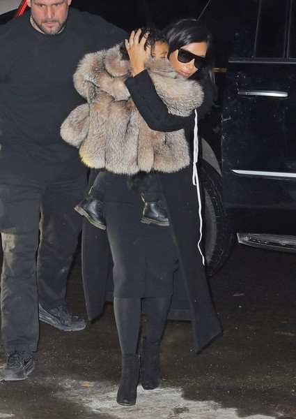 Kim Kardashian and North Arrive in New York []