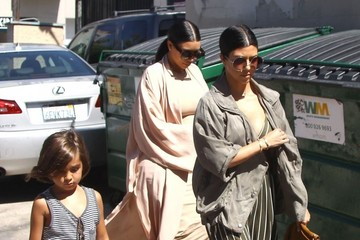 Kim Kardashian The Kardashian Clan Heads Out for Lunch at The Ivy
