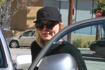 Kirsten Dunst Kirsten Dunst Stops By A Gym In Studio City