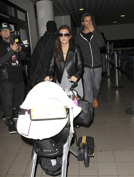 Kourtney Kardashian - Khloe and Kourtney Land in LA
