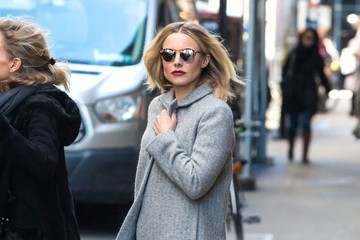 Kristen Bell Kristen Bell and Dax Shepard Check Out Of Their Hotel In NY