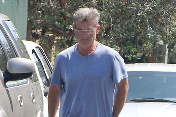 Kurt Russell Kurt Russell and Goldie Hawn Check out Their House in Brentwood