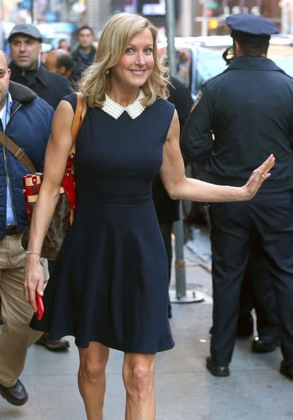 Lara spencer pictures celebs visit 39 good morning america for Who is lara spencer in a relationship with