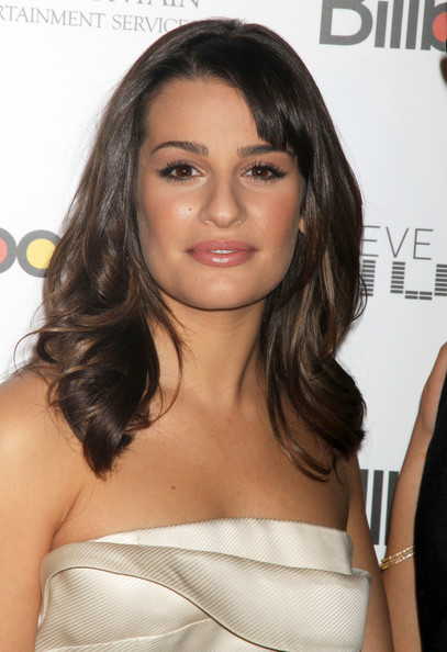 http://www2.pictures.zimbio.com/fp/Lea+Michele+Billboard+5th+Annual+Women+Music+wGo1yrRHLoXl.jpg