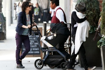 Linda Perry Rhodes Perry Sara Gilbert and Linda Perry Take Their Son to Lunch