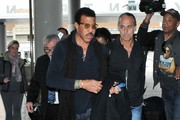 Lionel Richie Catches a Flight